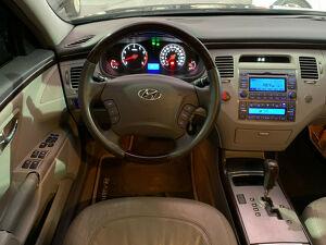 Hyundai Azera 3.3 GLS V6 10
