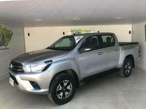 Toyota Hilux 2.8 STD Prata 2017