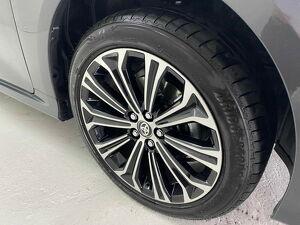 Toyota Corolla 1.8 Altis Premium Hybrid 14
