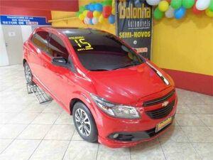 Chevrolet Onix 1.4 Effect 8V Vermelho 2015