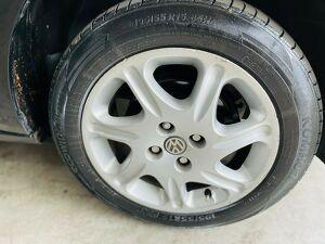Volkswagen Voyage 1.0 1