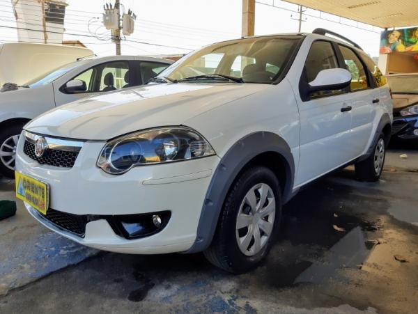 FIAT PALIO WEEKEND 1.6 TREKKING 16V Branco 2015