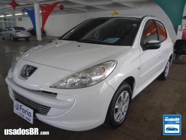 PEUGEOT 207 1.4 XR 8V FLEX 4P MANUAL Branco 2013