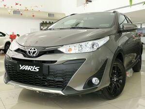 Toyota Yaris 1.5 X Way Connect Cinza 2021