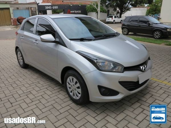 Foto do veiculo HYUNDAI HB20 1.0 COMFORT PLUS 12V FLEX 4P MANUAL Prata 2015