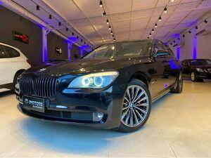 BMW 750i 4.4 Luxury V8 Preto 2012