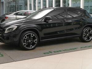 Mercedes-benz GLA 200 1.6 CGI Vision Black Edition Preto 2019