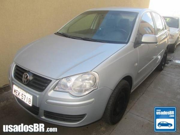 VOLKSWAGEN POLO SEDAN 1.6 8V Prata 2007