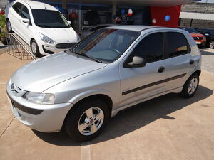 Chevrolet Celta 1.0 Super 8V Prata 2003