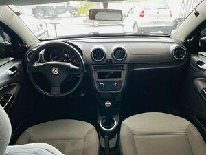 Volkswagen Voyage 1.0 19