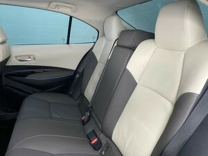 Toyota Corolla 1.8 Altis Premium Hybrid 8