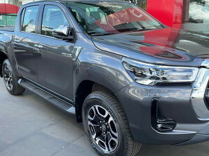 Toyota Hilux 2.8 SRX Cinza 2021