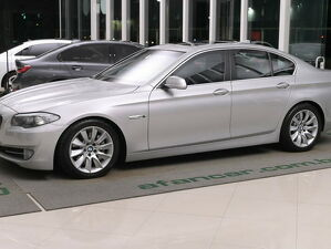 BMW 535i 3.0 6 Cilindros Turbo Prata 2011