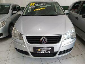 Volkswagen Polo Sedan 1.6 8V Prata 2011
