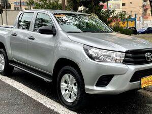 Toyota Hilux 2.8 STD Prata 2019