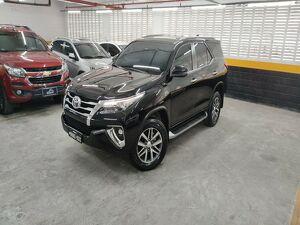 Toyota Hilux SW4 2.8 SRX Turbo Preto 2019