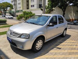 RENAULT LOGAN 1.0 AUTHENTIQUE Prata 2010