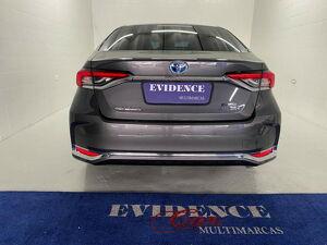 Toyota Corolla 1.8 Altis Premium Hybrid 5