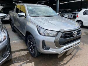 Toyota Hilux 2.8 SR Cinza 2021