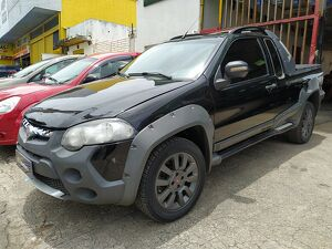 FIAT STRADA CE 1.8 ADVENTURE LOCKER Preto 2012