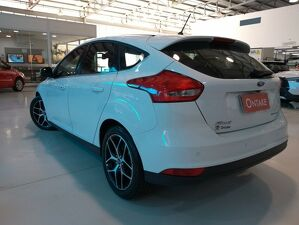 Ford Focus 2.0 Titanium 5