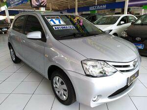 Toyota Etios 1.5 X Plus 16V Prata 2017