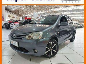 Toyota Etios 1.3 XS Cinza 2013