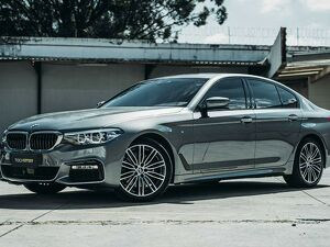 BMW 530i 2.0 M Sport Turbo Cinza 2019