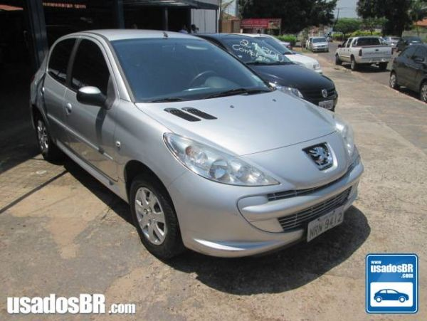 PEUGEOT 207 1.4 XR 8V FLEX 4P MANUAL Prata 2012