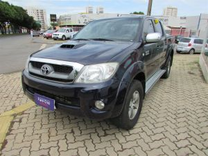 TOYOTA HILUX 3.0 SRV LIMITED EDITION TURBO Azul 2010