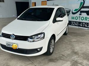 VOLKSWAGEN FOX 1.6 HIGHLINE Branco 2014