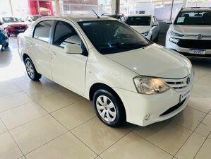 Toyota Etios 1.5 XS Branco 2013