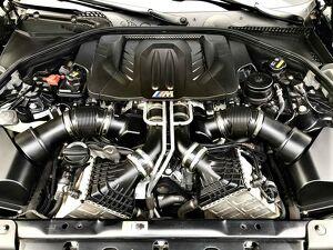 BMW M6 4.4 Gran V8 12