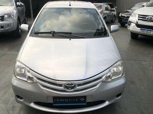 Toyota Etios 1.5 XS Prata 2013