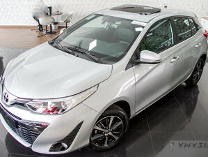 Toyota Yaris 1.5 XLS Connect Prata 2021