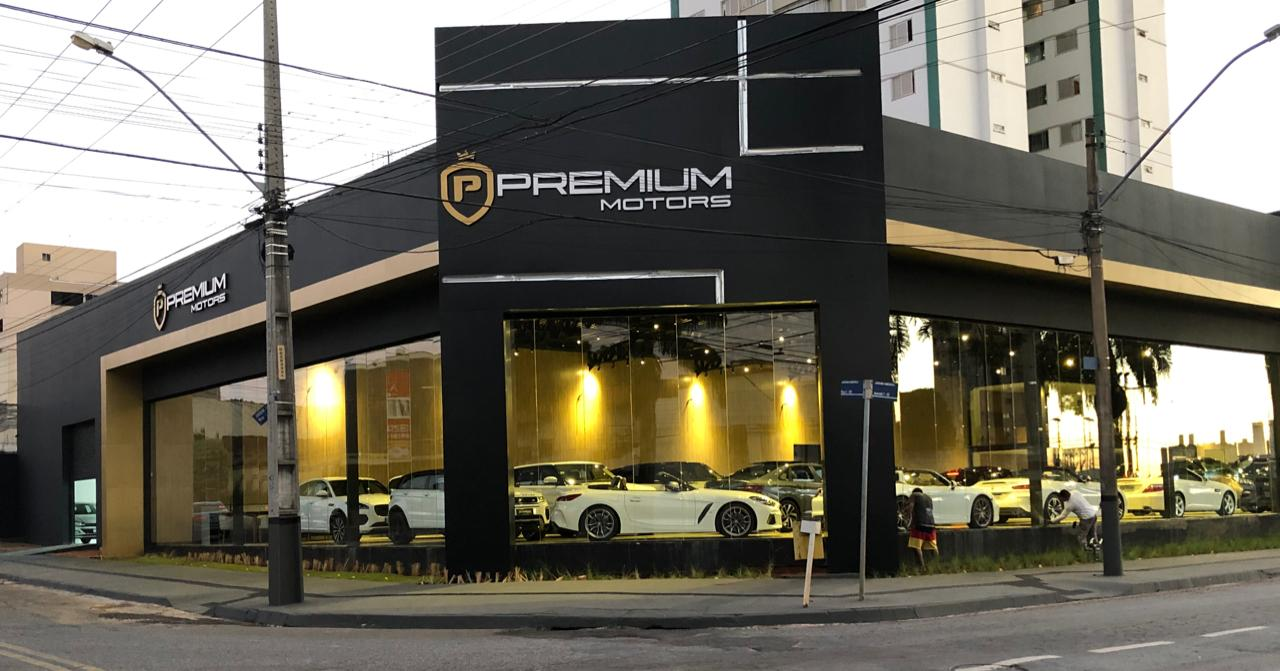 Fachada Premium Motors